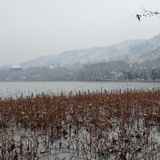 The snowy West Lake 4