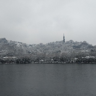 The snowy West Lake 5