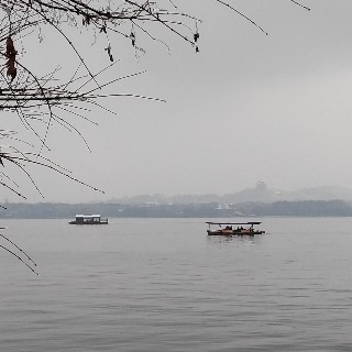 The snowy West Lake 7