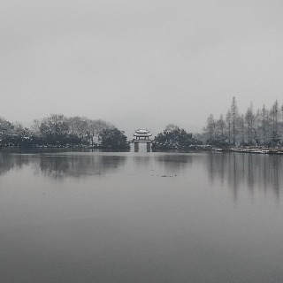 The snowy West Lake 9